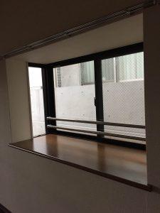 ネコール305_出窓