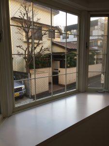 クレセント 101_出窓(リビング)