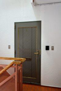 飯田ビル301号室_玄関